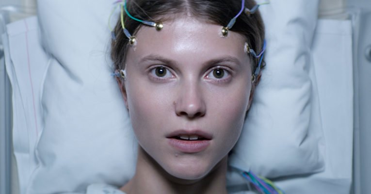 Thelma [Review] – hypnotische, übersinnliche Coming-of-Age-Story
